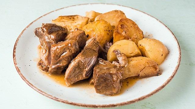 Χοιρινό-λεμονάτο-κατσαρόλας